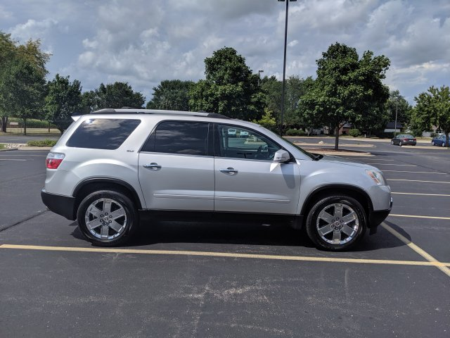 2010 GMC Acadia SLT2 - PRICED TO SELL!
